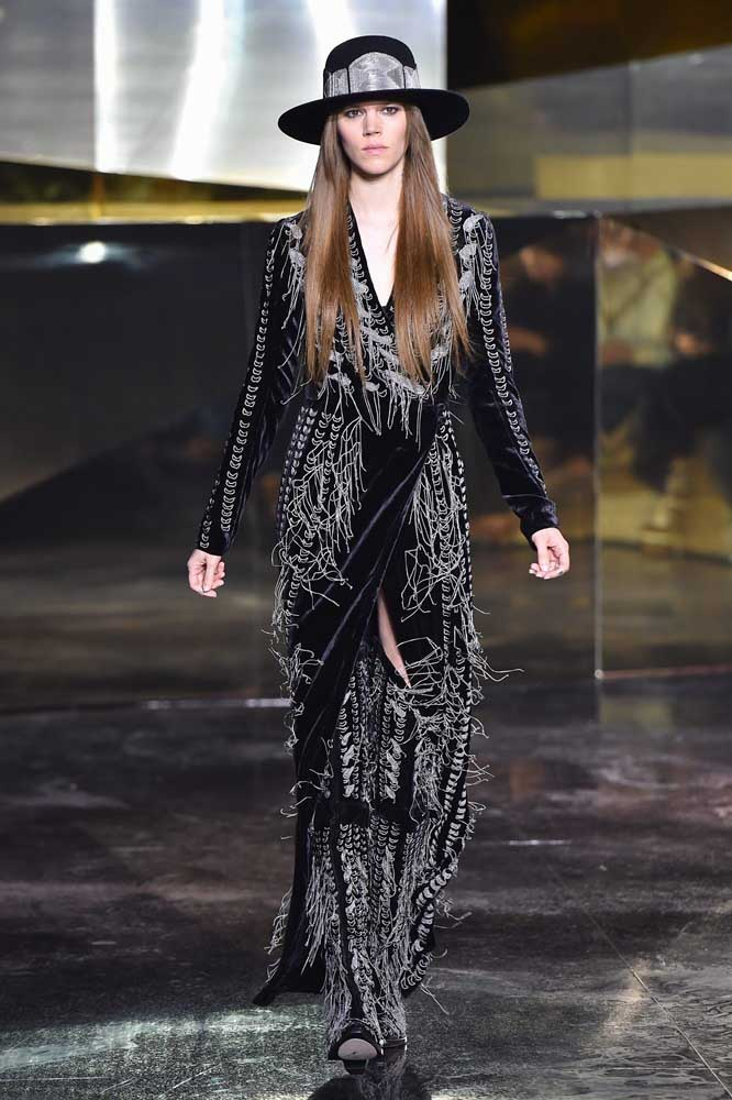 H&M: Runway - Paris Fashion Week Womenswear Fall/Winter 2016/2017